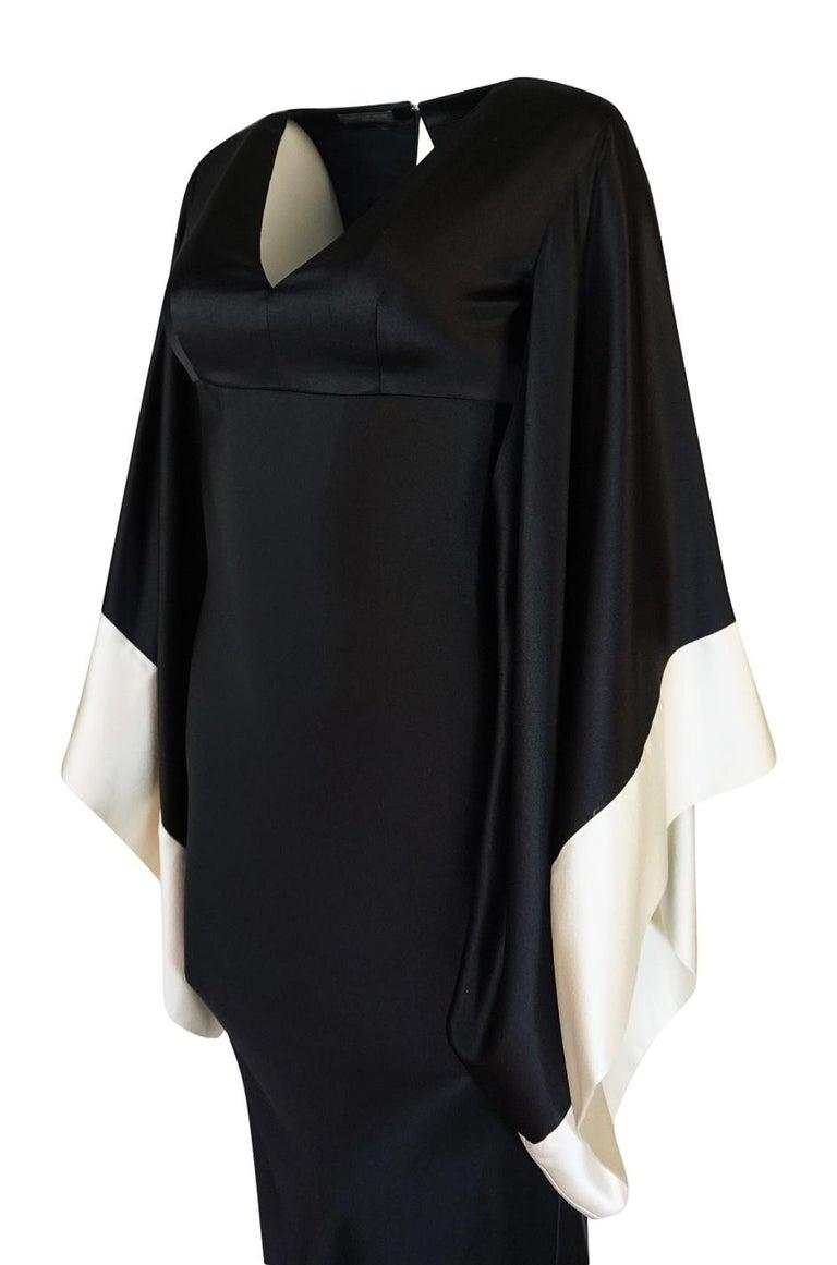Recent Alexander McQueen Kimono Sleeve Black & White Silk Dress For Sale 3