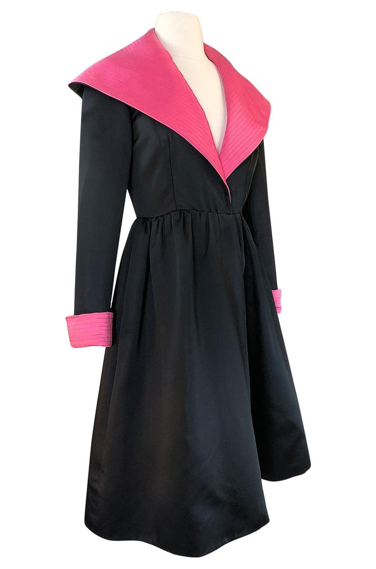 1960s Geoffrey Beene Fitted Pink Collar & Cuffs Black Coat Dress In Excellent Condition For Sale In Rockwood, ON