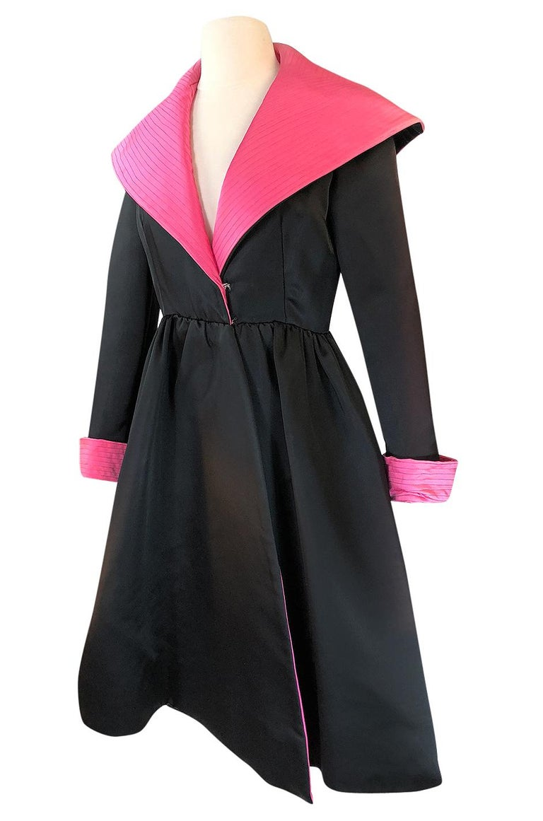 Women's 1960s Geoffrey Beene Fitted Pink Collar & Cuffs Black Coat Dress For Sale