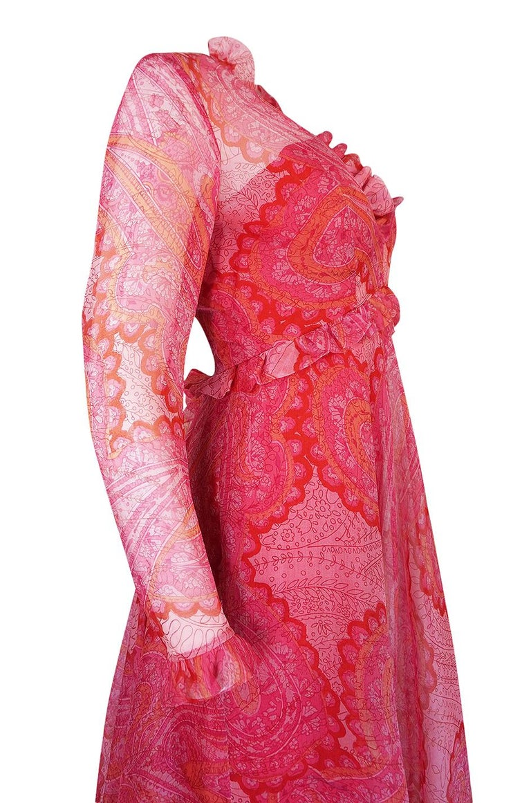 Nina Ricci Silk Voile Pink Paisley Print Ruffle Trim Dress, circa 1976 For Sale 4