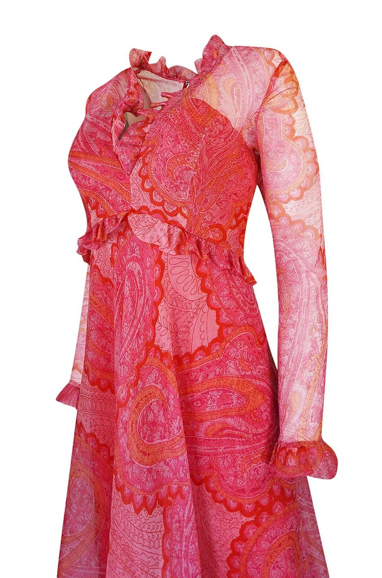 Nina Ricci Silk Voile Pink Paisley Print Ruffle Trim Dress, circa 1976 For Sale 3