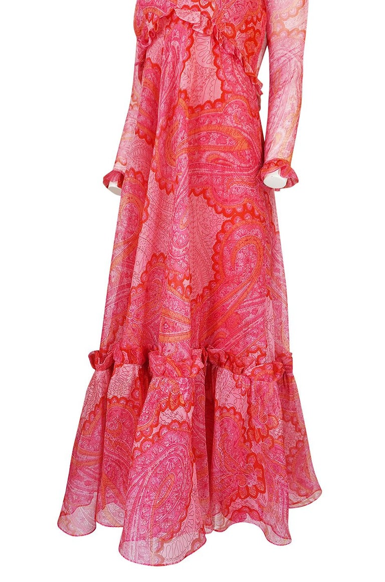 Nina Ricci Silk Voile Pink Paisley Print Ruffle Trim Dress, circa 1976 For Sale 5