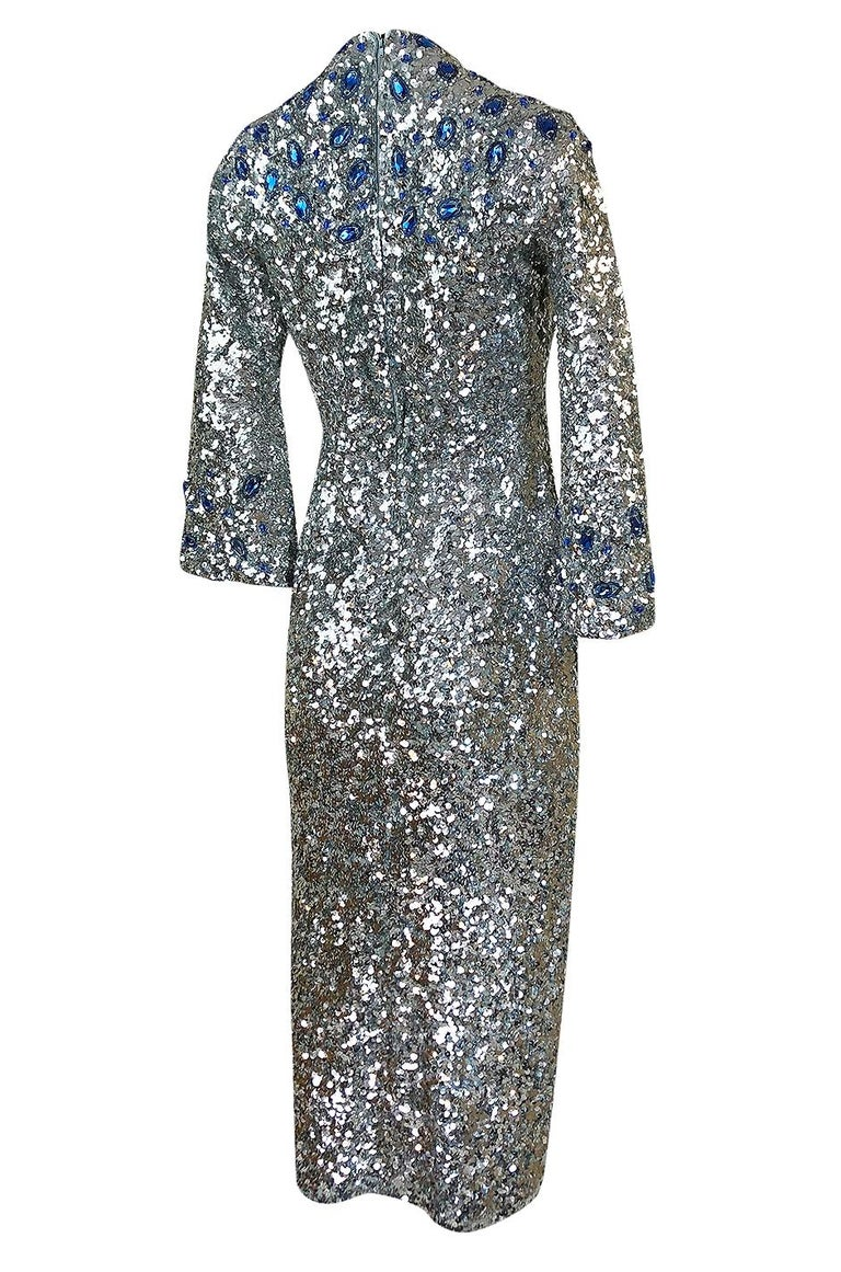 In its heyday the Gene Shelley of California label was highly sought after. The label was doing some of the best of the early sequinned vintage pieces that you could find anywhere on the planet. All of the sequin work that covers this dress was done