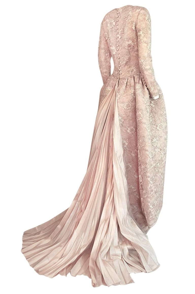 Beige F/W 1994 Nina Ricci Haute Couture Silver Cord & Hand Made Pink Lace Dress For Sale