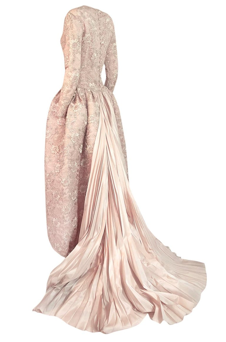 F/W 1994 Nina Ricci Haute Couture Silver Cord & Hand Made Pink Lace Dress For Sale 1