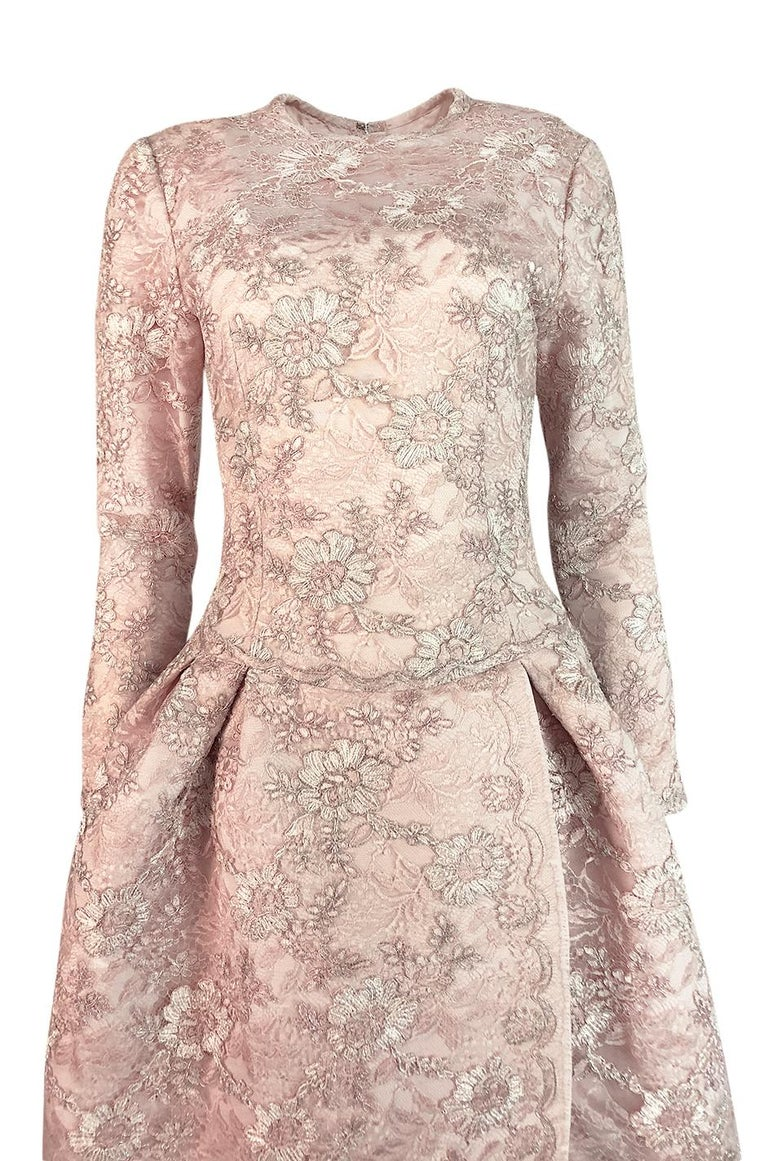F/W 1994 Nina Ricci Haute Couture Silver Cord & Hand Made Pink Lace Dress For Sale 2