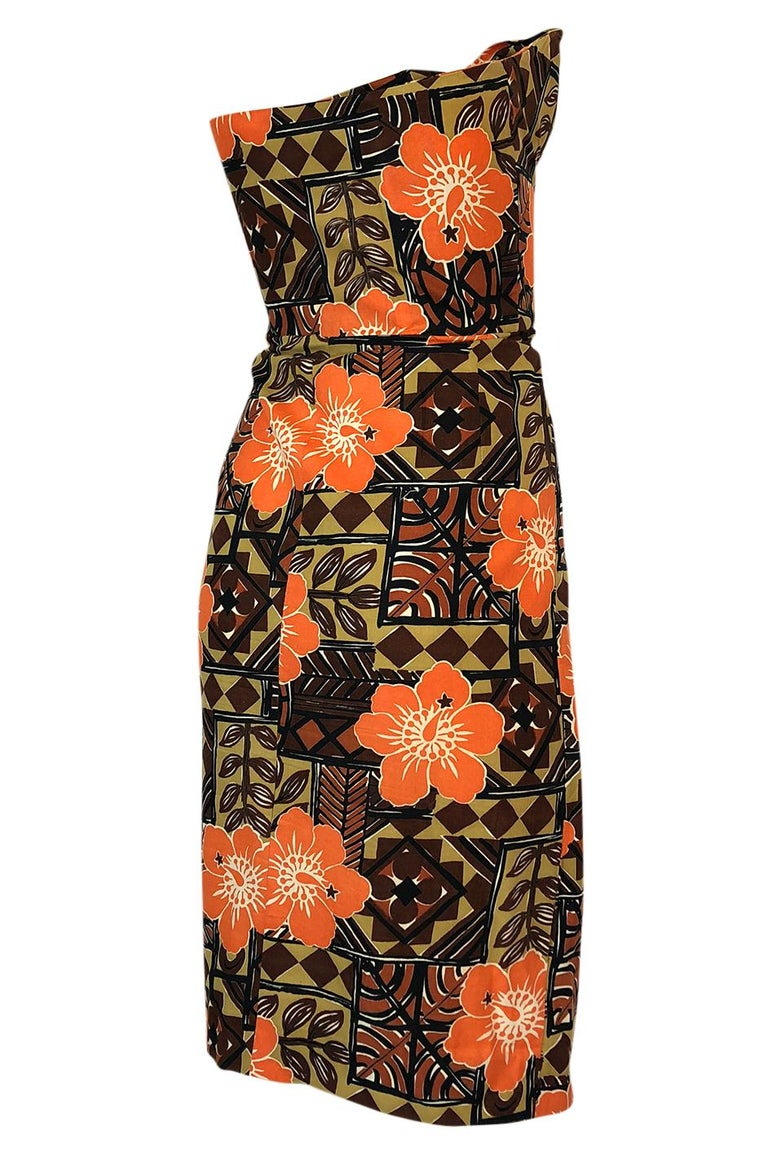 These little 1950s Hawaiian dresses are wonderful and are cut to give you curves. They have such a classic silhouette that they still feel fresh even after 50+ years. This one is unlabelled and would have most likely come directly out of Hawaii in
