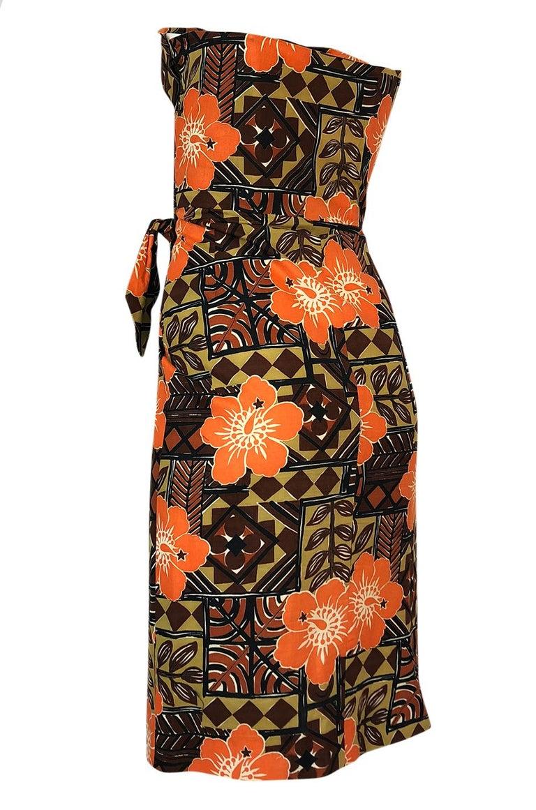 1950s Unlabeled Cotton Hawaiian Orange & Tan Floral Print Dress For Sale 1