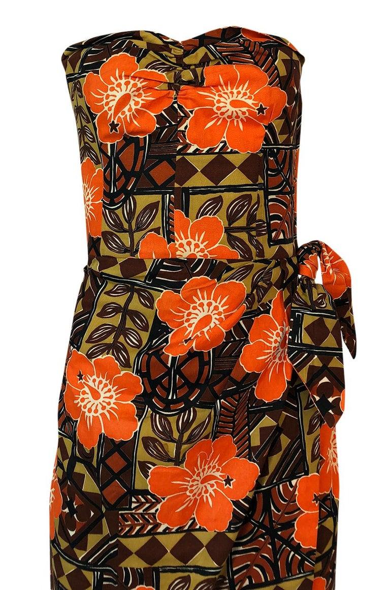 1950s Unlabeled Cotton Hawaiian Orange & Tan Floral Print Dress For Sale 2