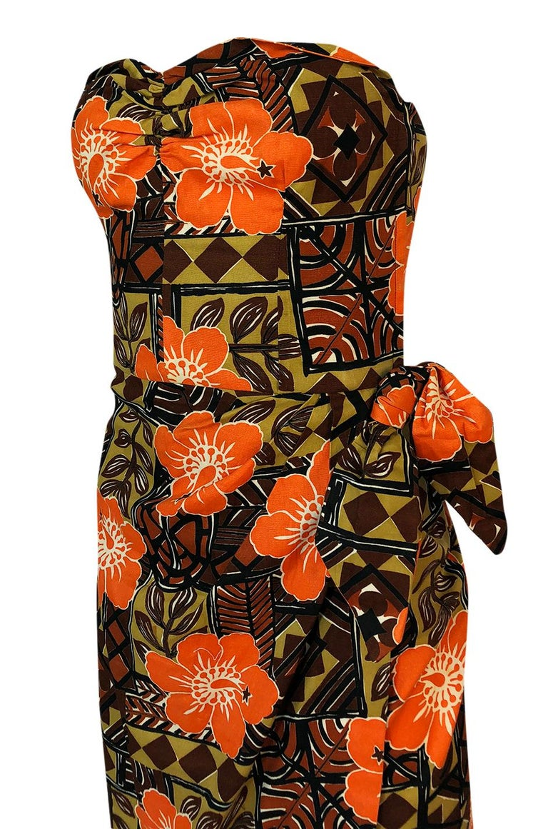 1950s Unlabeled Cotton Hawaiian Orange & Tan Floral Print Dress For Sale 3