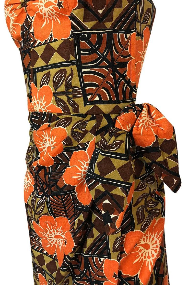 1950s Unlabeled Cotton Hawaiian Orange & Tan Floral Print Dress For Sale 5