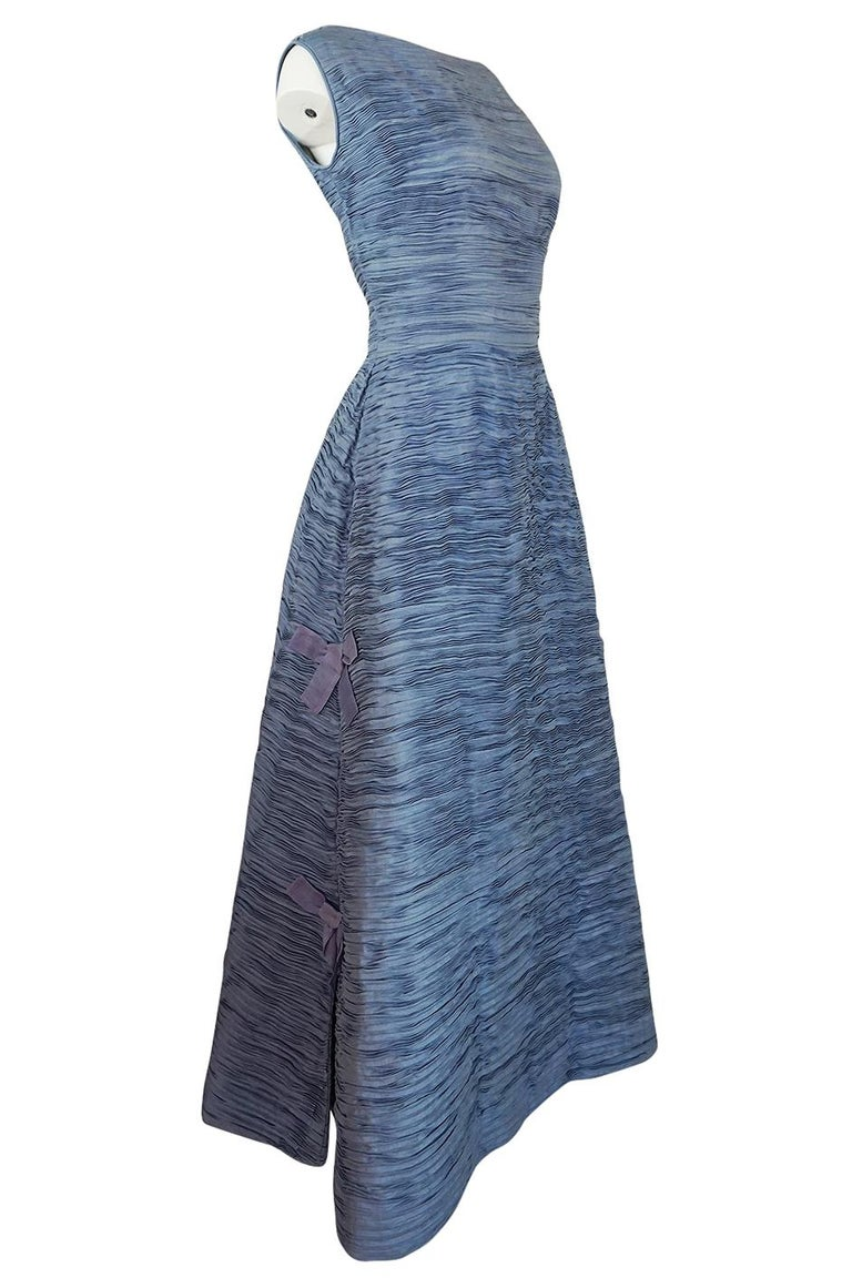 Gray c.1965 Sybil Connolly Couture Bow Detailed Blue Pleated Irish Linen Dress For Sale