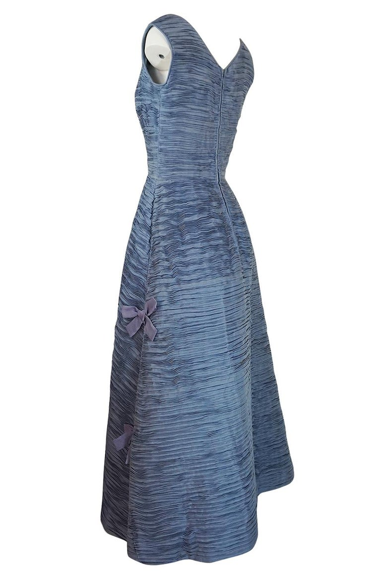 Women's c.1965 Sybil Connolly Couture Bow Detailed Blue Pleated Irish Linen Dress For Sale
