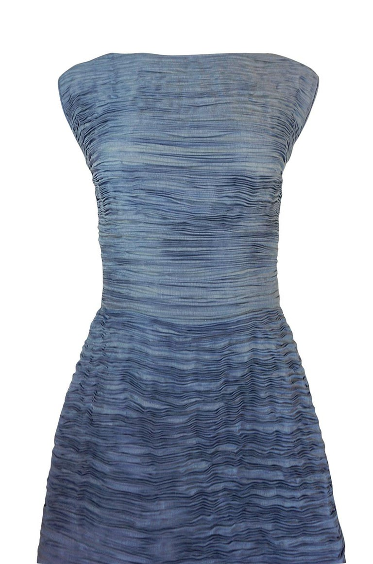 c.1965 Sybil Connolly Couture Bow Detailed Blue Pleated Irish Linen Dress For Sale 1