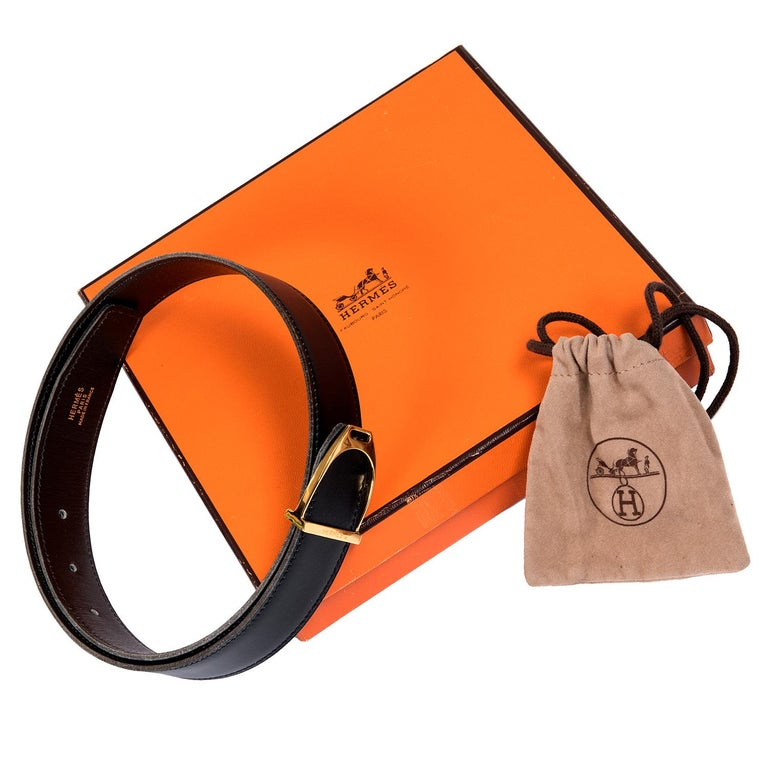A Very Rare Vintage Hermes 'Stirrup' Buckle Reversible Box Leather Belt In Excellent Condition For Sale In London, GB