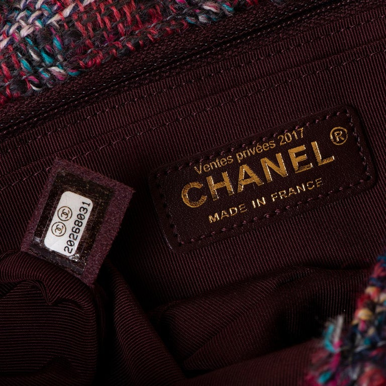 Gorgeous Chanel 'Jumbo' Sac Timeless in Multi-coloured Wool Tweed In New Condition For Sale In London, GB