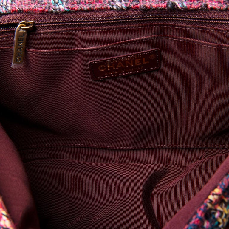 Gorgeous Chanel 'Jumbo' Sac Timeless in Multi-coloured Wool Tweed For Sale 2