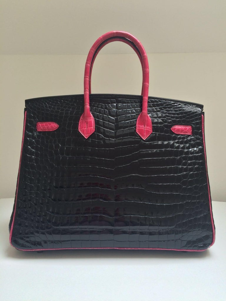 Hermes Black and fuchsia shiny crocodile Birkin 35cm Bag In Excellent Condition For Sale In London, GB