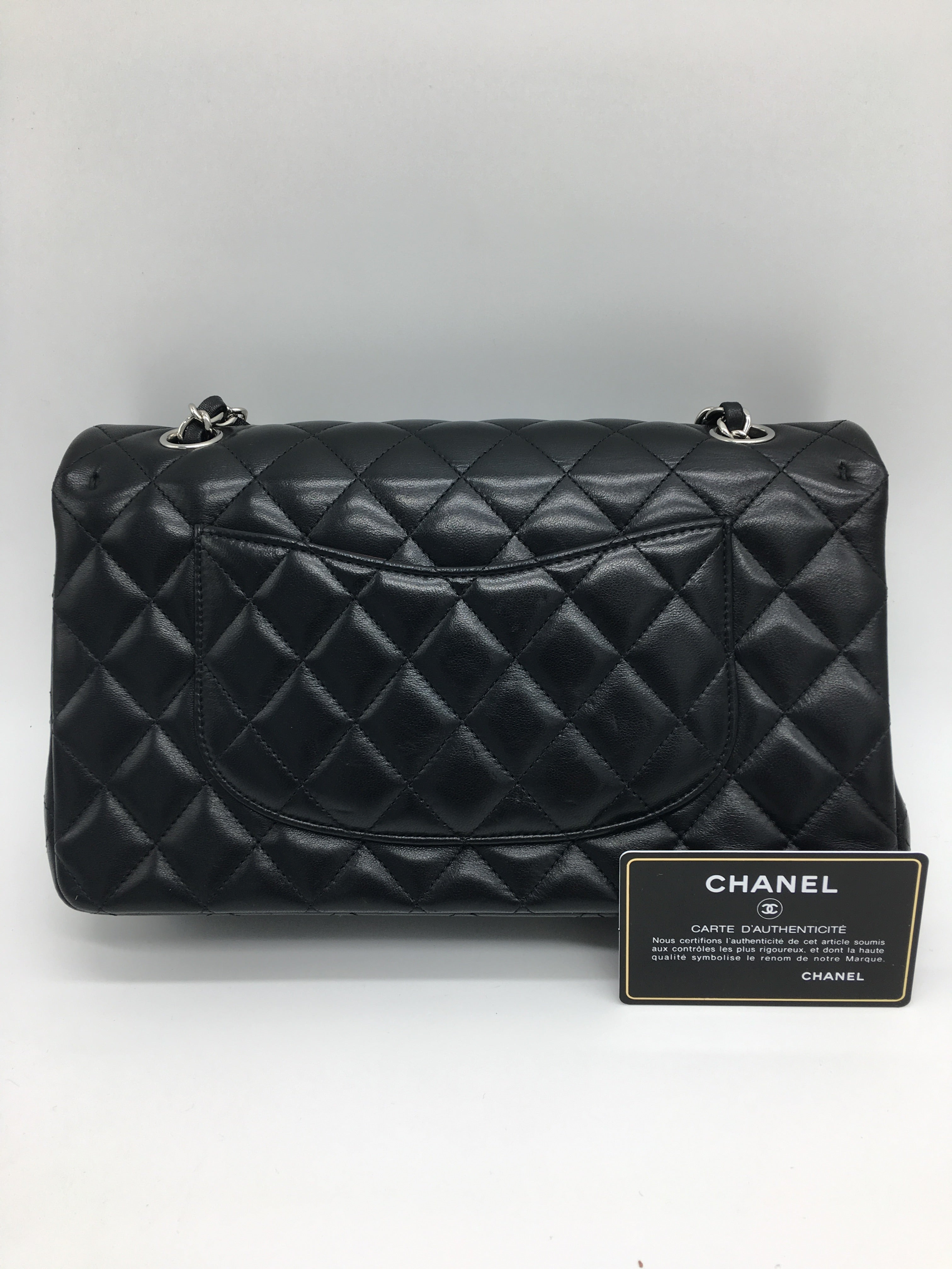 71dc7b035ad6 Chanel Flap Bag medium in Black with silver For Sale at 1stdibs