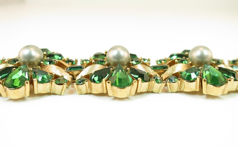 Crown Trifari Alfred Philippe Gilded Rhodium Bracelet Emerald Crystals 1950s  For Sale 2