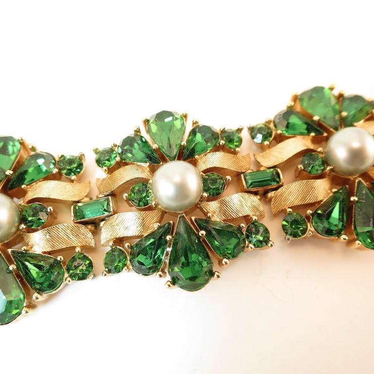 Crown Trifari Alfred Philippe Gilded Rhodium Bracelet Emerald Crystals 1950s  For Sale 5