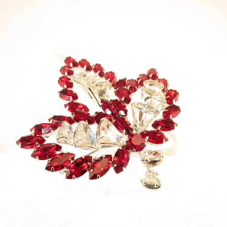 Vendome Ruby Crystal Leaf Brooch 1950s In Excellent Condition For Sale In Burbank, CA