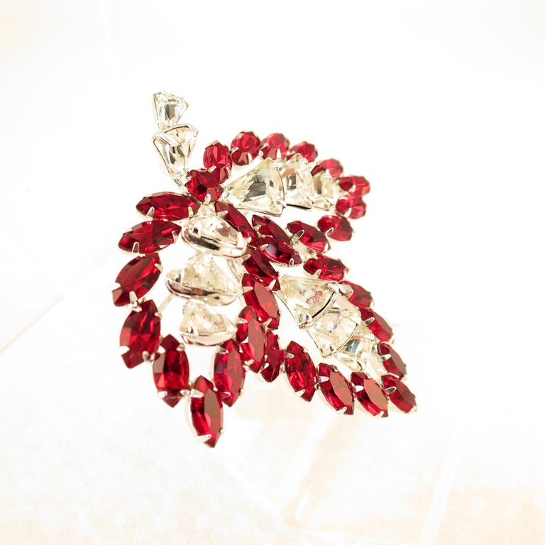 Vendome Ruby Crystal Leaf Brooch 1950s For Sale 1