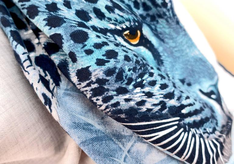 Hermes Blue Grey Panther Cashmere Silk Shawl Scarf Carre GM Amaze Spring In New Condition In New York, NY