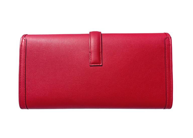 Hermes Rouge Grenat Jige Elan Clutch 29cm Red Garnet Jewel In New Never_worn Condition For Sale In New York, NY