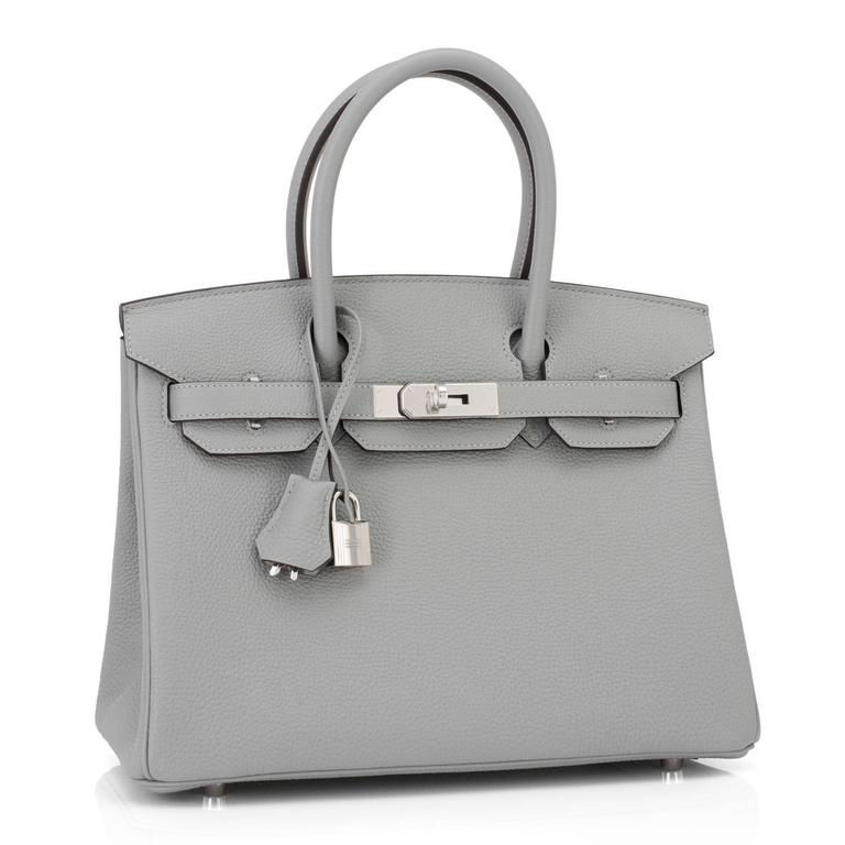 Hermes Gris Mouette New Grey 30cm Togo Birkin Bag Palladium Chic In New Never_worn Condition For Sale In New York, NY