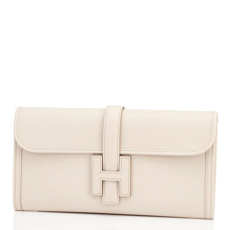 Women's or Men's Hermes Beton Jige Elan 29cm Swift Off White Clutch Bag  For Sale