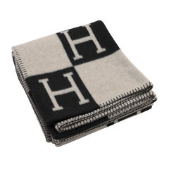 Hermes Avalon Merino Wool Cashmere Throw Blanket Ecru Gris Fonce