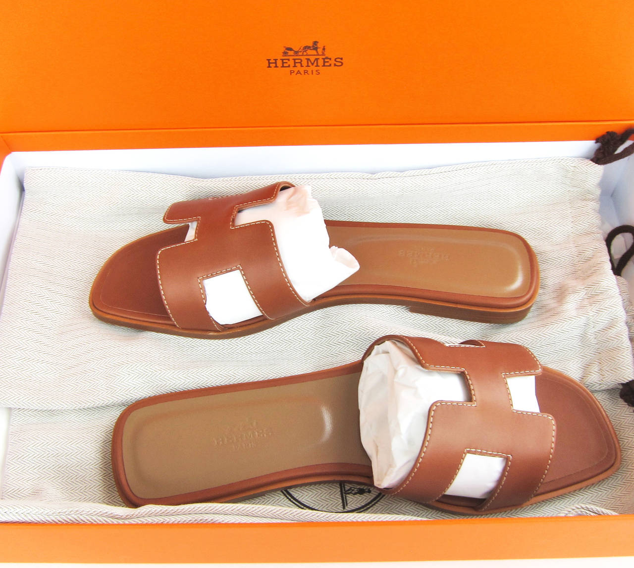 c88ca4fb07 Hermes Gold Oran Box Leather Sandals Size 40 Summer For Sale 2