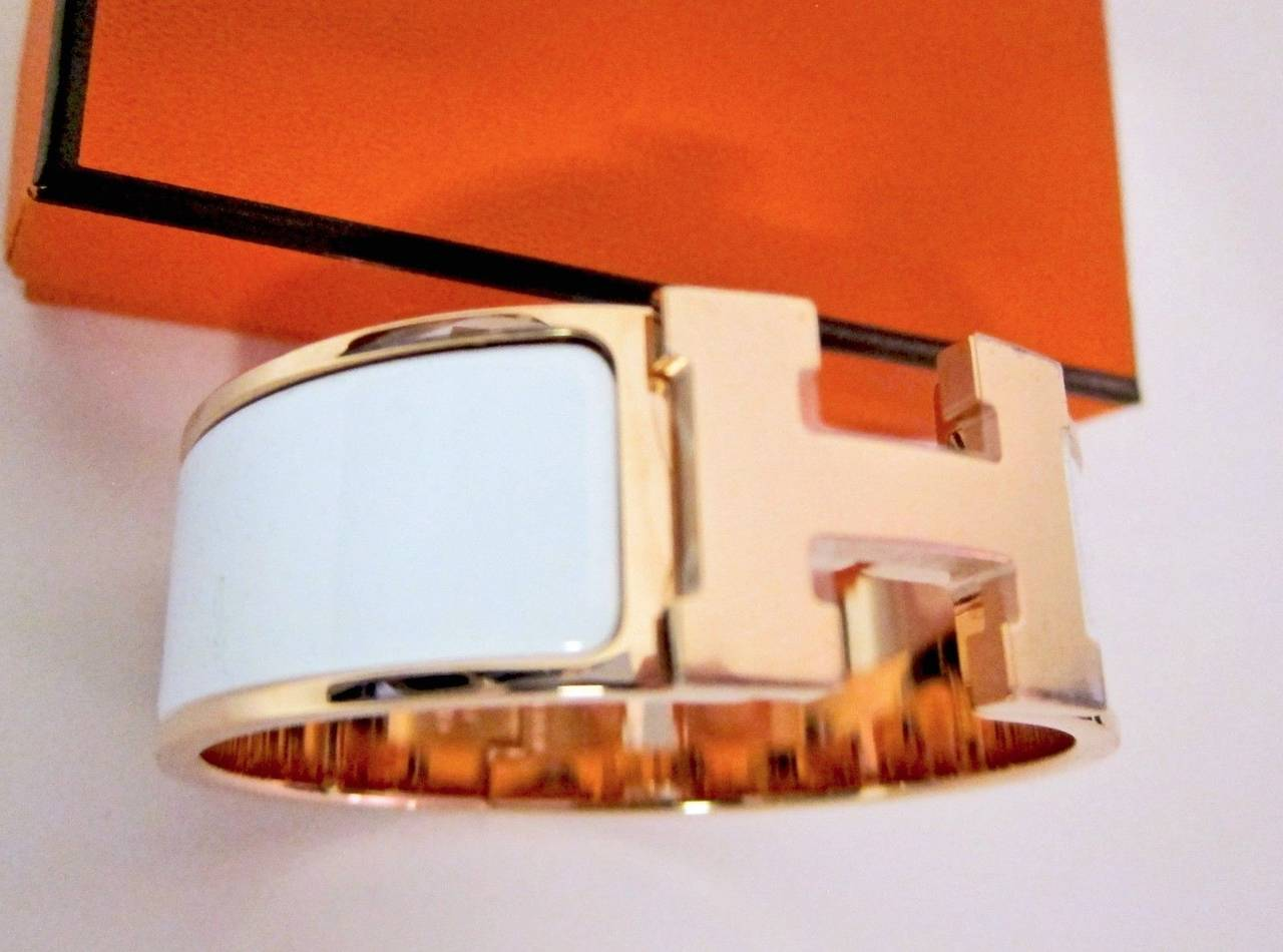 Hermes white clic clac enamel bracelet with rose gold hardware at hermes white clic clac enamel bracelet with rose gold hardware dreamy very rare white with platinumwayz