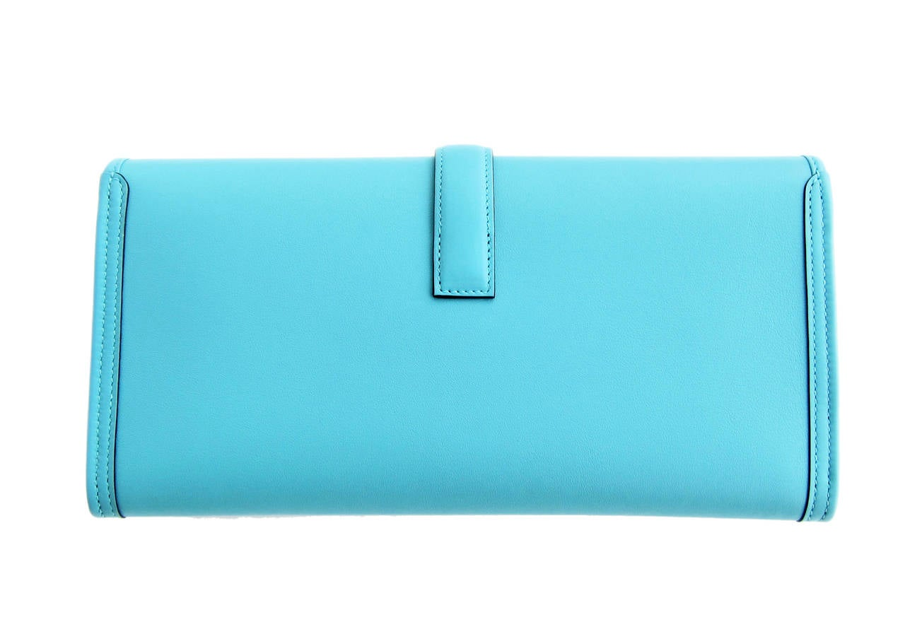 Hermes Blue Atoll Jige Elan 29cm Swift Clutch Bag Stunning In New never worn Condition For Sale In New York, NY