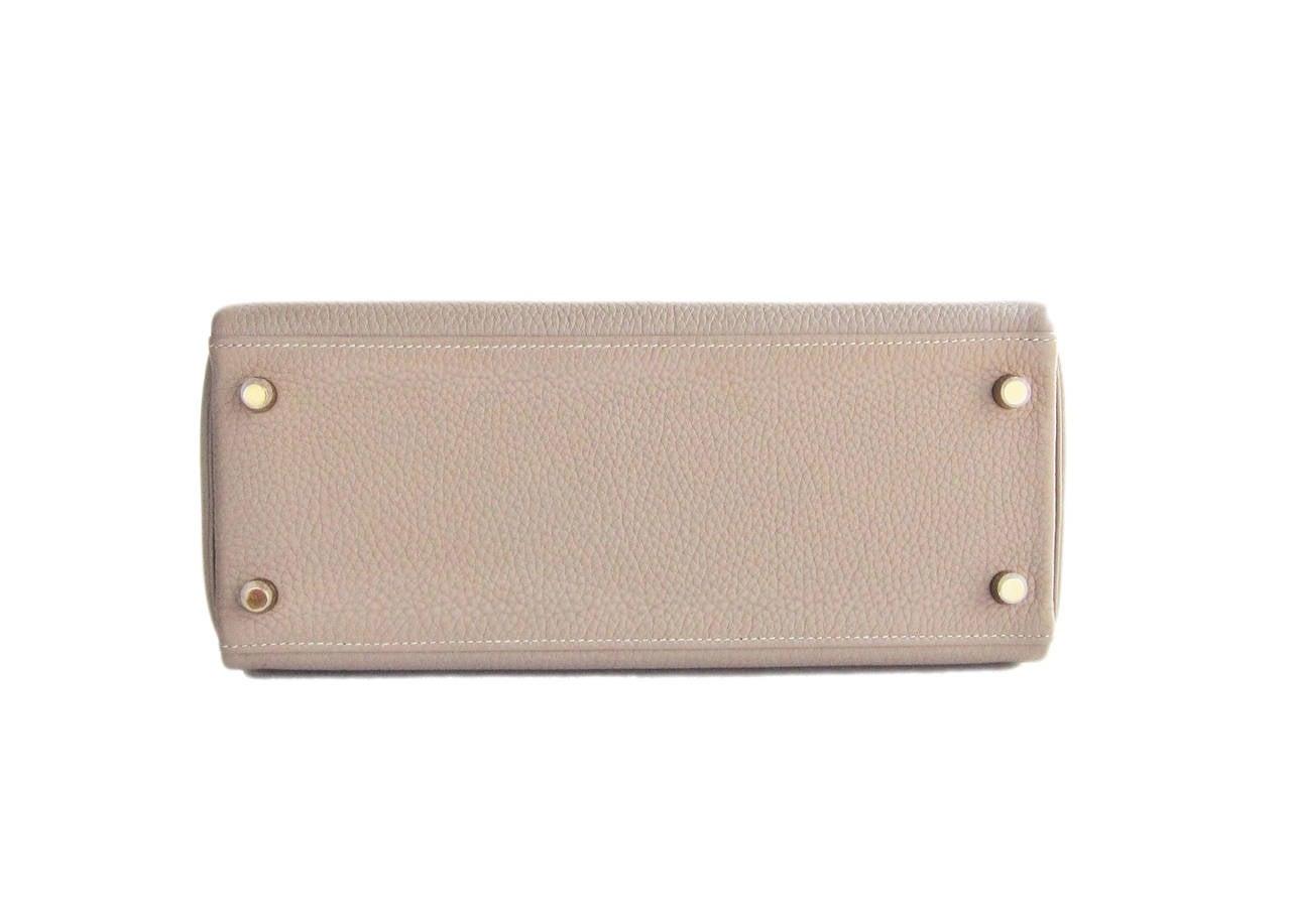 Hermes Gris Tourterelle 28cm Togo Kelly Gold GHW Shoulder Bag Perfection 5
