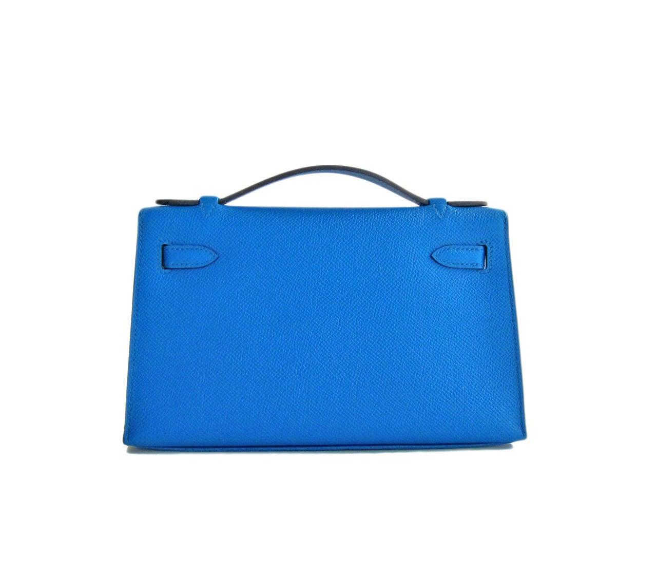 hermes blue izmir gold kelly pochette epsom ghw clutch cut bag insane for sale at 1stdibs. Black Bedroom Furniture Sets. Home Design Ideas