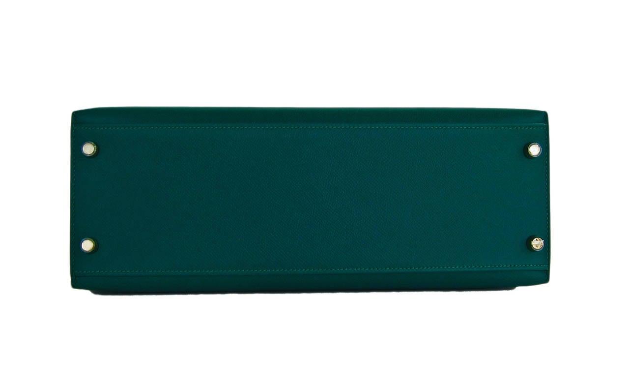 Women's or Men's Celeb Fave Hermes 32cm Malachite Gold Sellier GHW Emerald Epsom Kelly For Sale