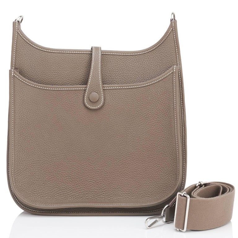Brown Hermes Etoupe Evelyne PM Taupe 29cm Messenger Shoulder Bag For Sale