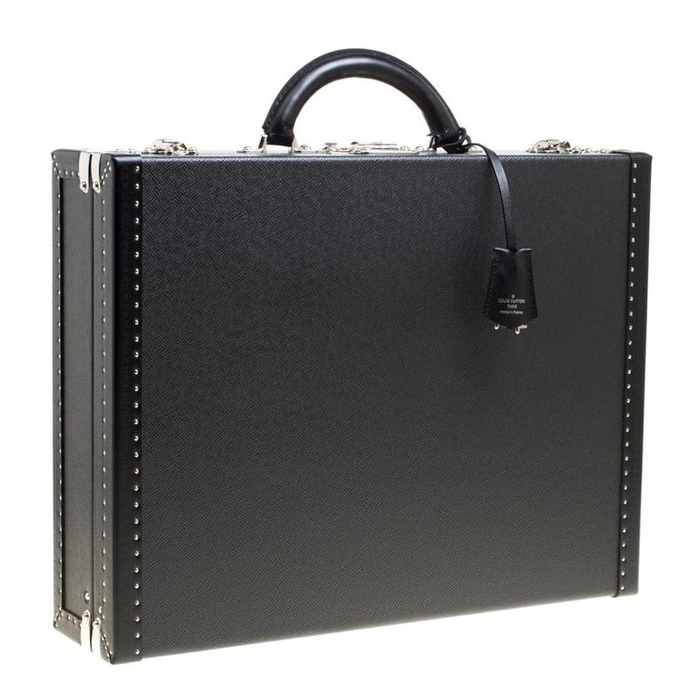 eb4bfb6154d5 Louis Vuitton Black Taiga Leather President Briefcase For Sale at ...