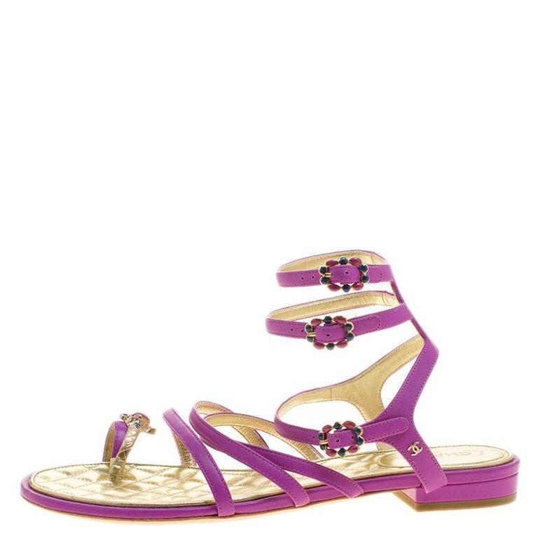 43d8d4dc2b6b Women s Chanel Purple Leather Enamel Embellished Toe Ring Flat Sandals Size  38 For Sale