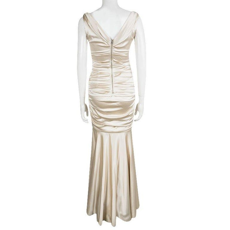 Dolce & Gabbana Beige Satin Ruched Sleeveless Gown M In Good Condition For Sale In Dubai, AE