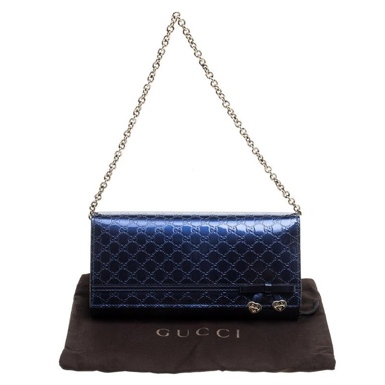 6100952e84c Gucci Blue Microguccissima Patent Leather WOC Wallet In Excellent Condition  For Sale In Dubai