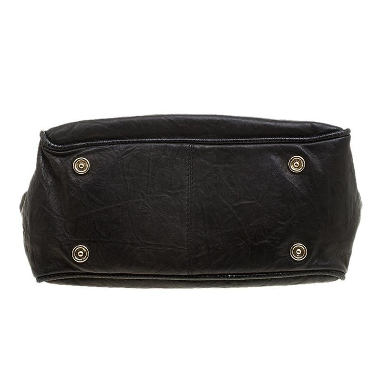 Jimmy Choo Black Glazed Crinkled Leather Riki Tote For Sale 3