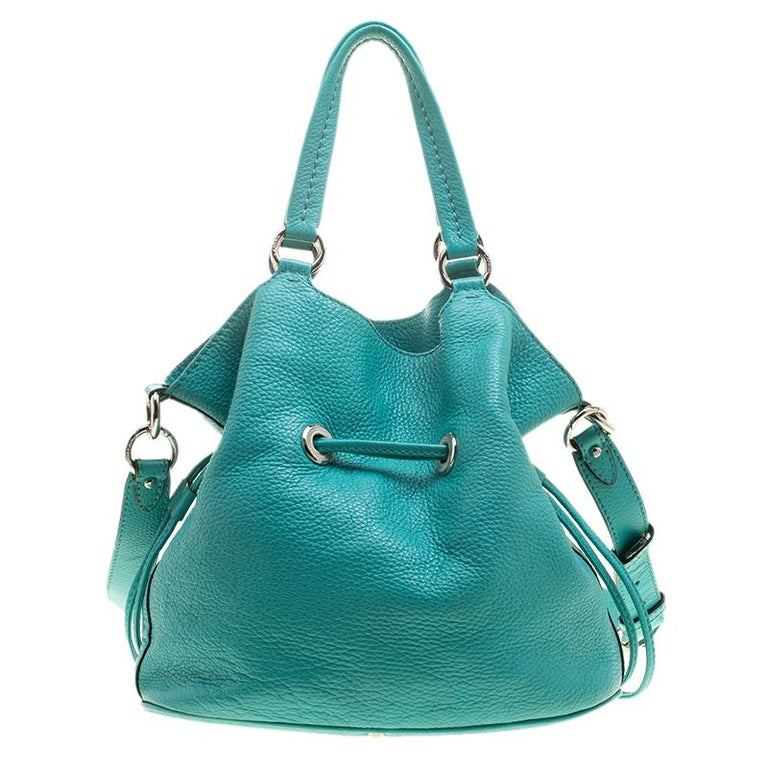 ec28e5198827 This Premiere Flirt shoulder bag from Lancel is simply terrific! From its  bucket shape to