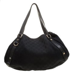 4b5c60cb5ff ... Gucci Black GG Canvas and Leather Shoulder Bag For Sale ...