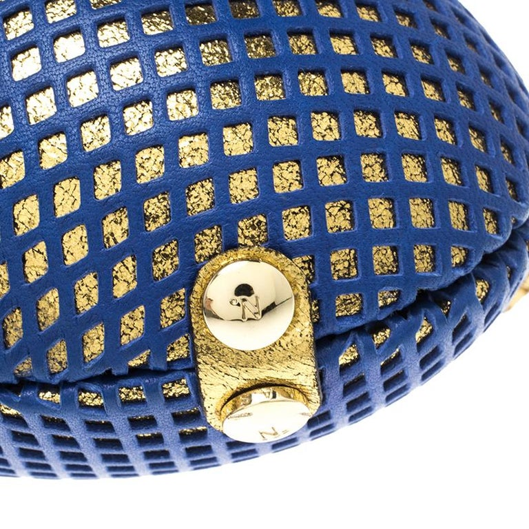 Nicolas Theil Blue and Metallic Gold Leather Mesh Egg Clutch In New Condition For Sale In Dubai, AE