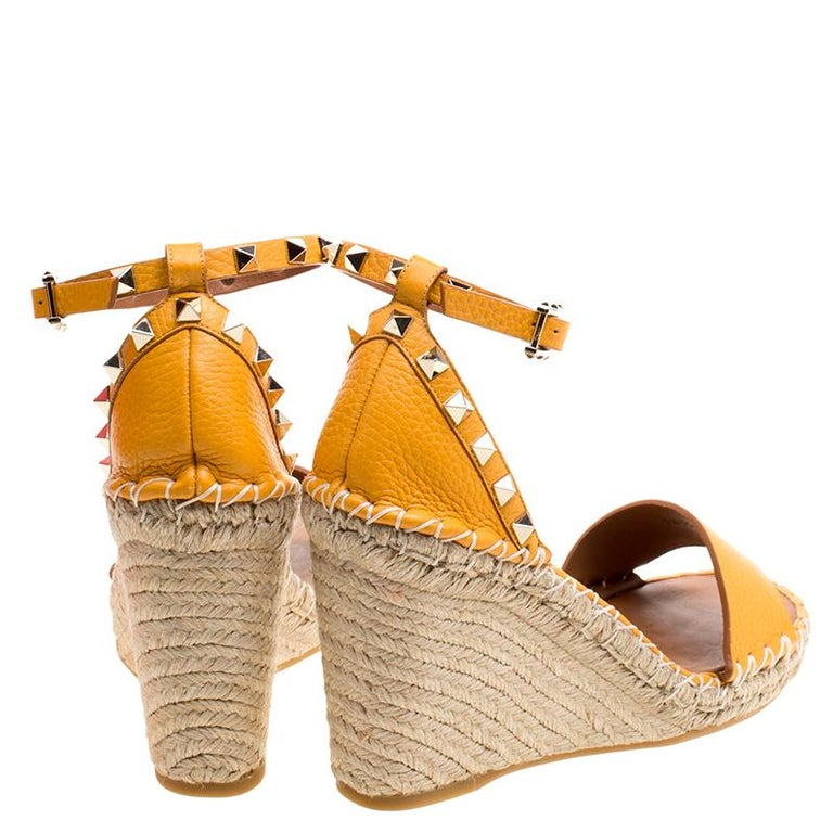 09fb83a0b06 Valentino Tangerine Orange Leather Rockstud Espadrille Wedge Sandals Size  38 In Excellent Condition For Sale In