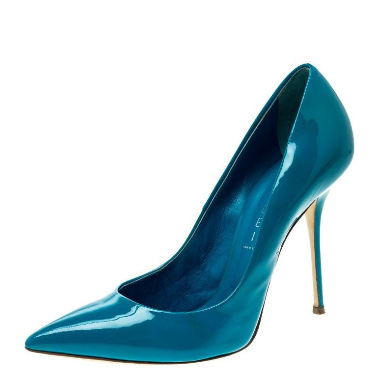 Casadei Blue Patent Leather Tiffany Pointed Toe Pumps Size 39 For Sale