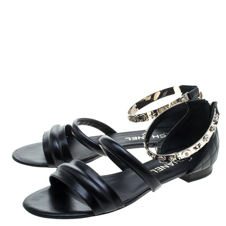 959c8983e69c Chanel Black Quilted Leather Charm Embellished Flat Sandals Size 39 For  Sale 1